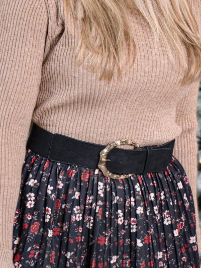 Stretch belt with bamboo buckle
