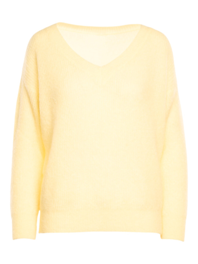 Soft sweater with v-neck