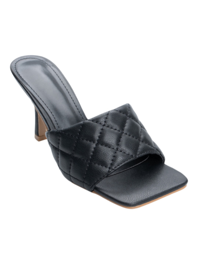Quilted sandal with square toe