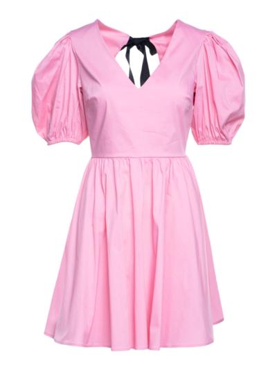 Korte jurk met strik op de rug