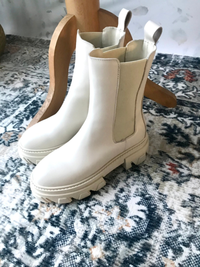 Boot with Track sole